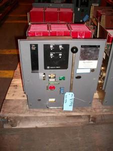 Westinghouse DS-416 circuit breaker