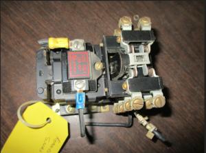 Allen Bradley 700 BX440A1 4pole contactor fv
